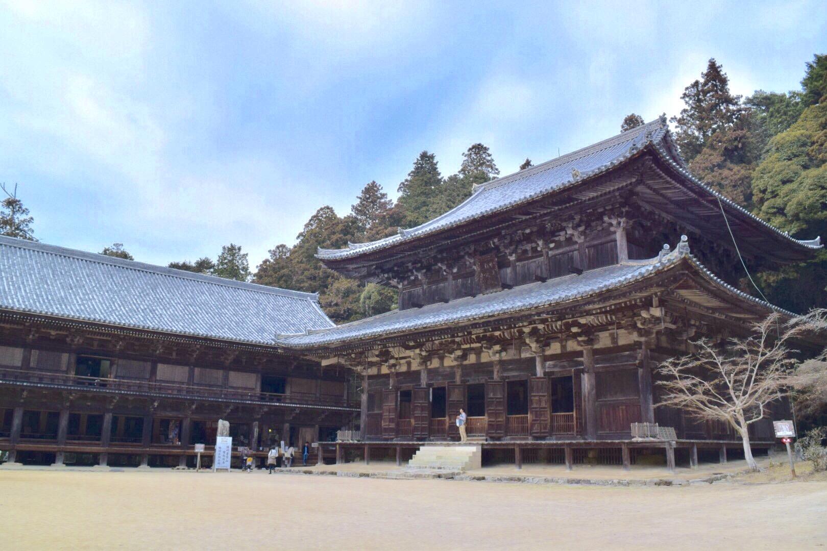 書写山園教寺の大講堂と食堂