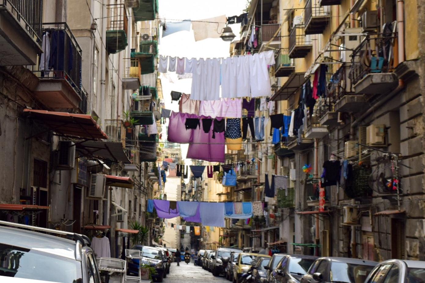 喧騒と混沌の街、ナポリ。