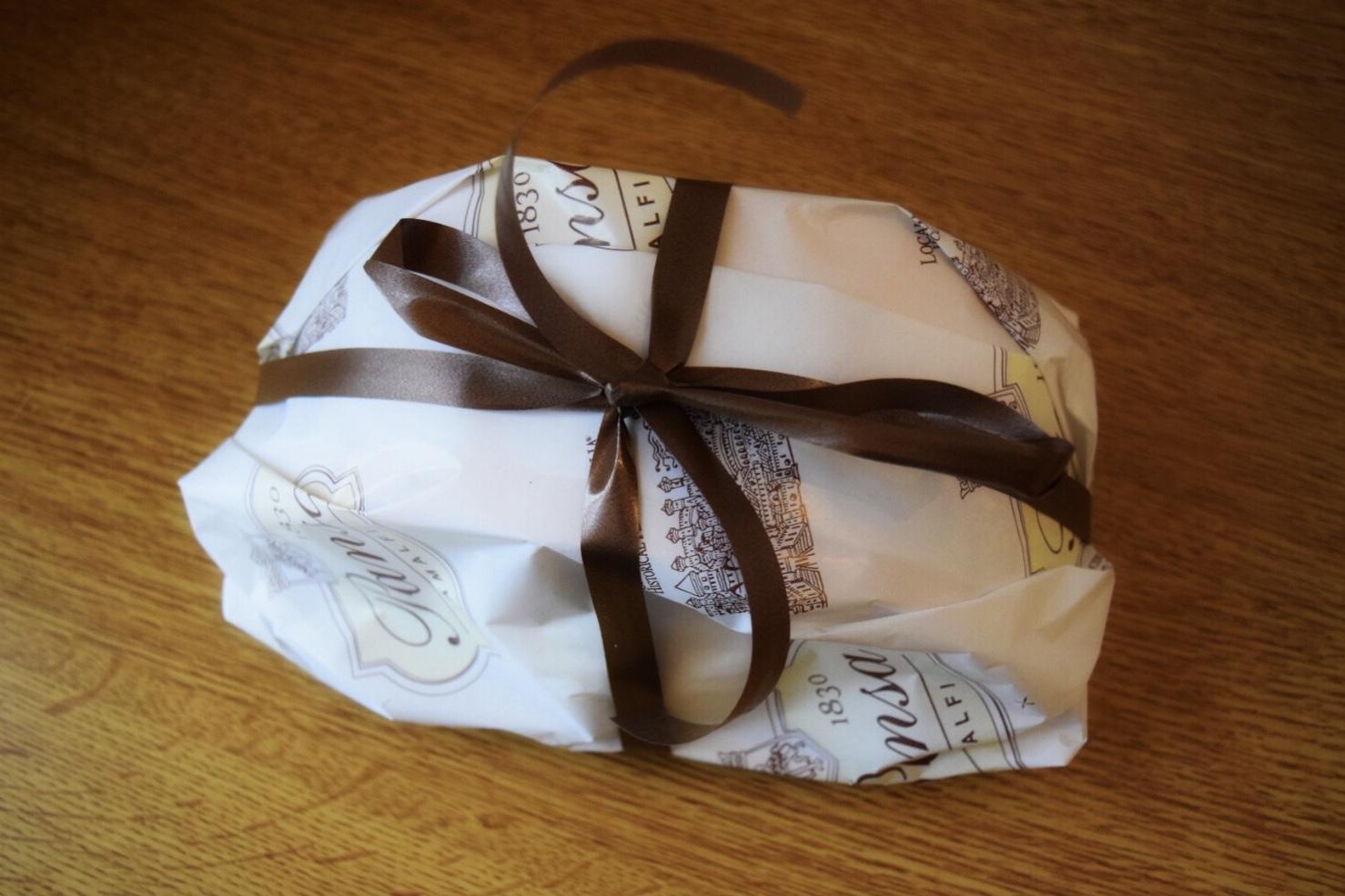テイクアウト時のレモンケーキの包装
